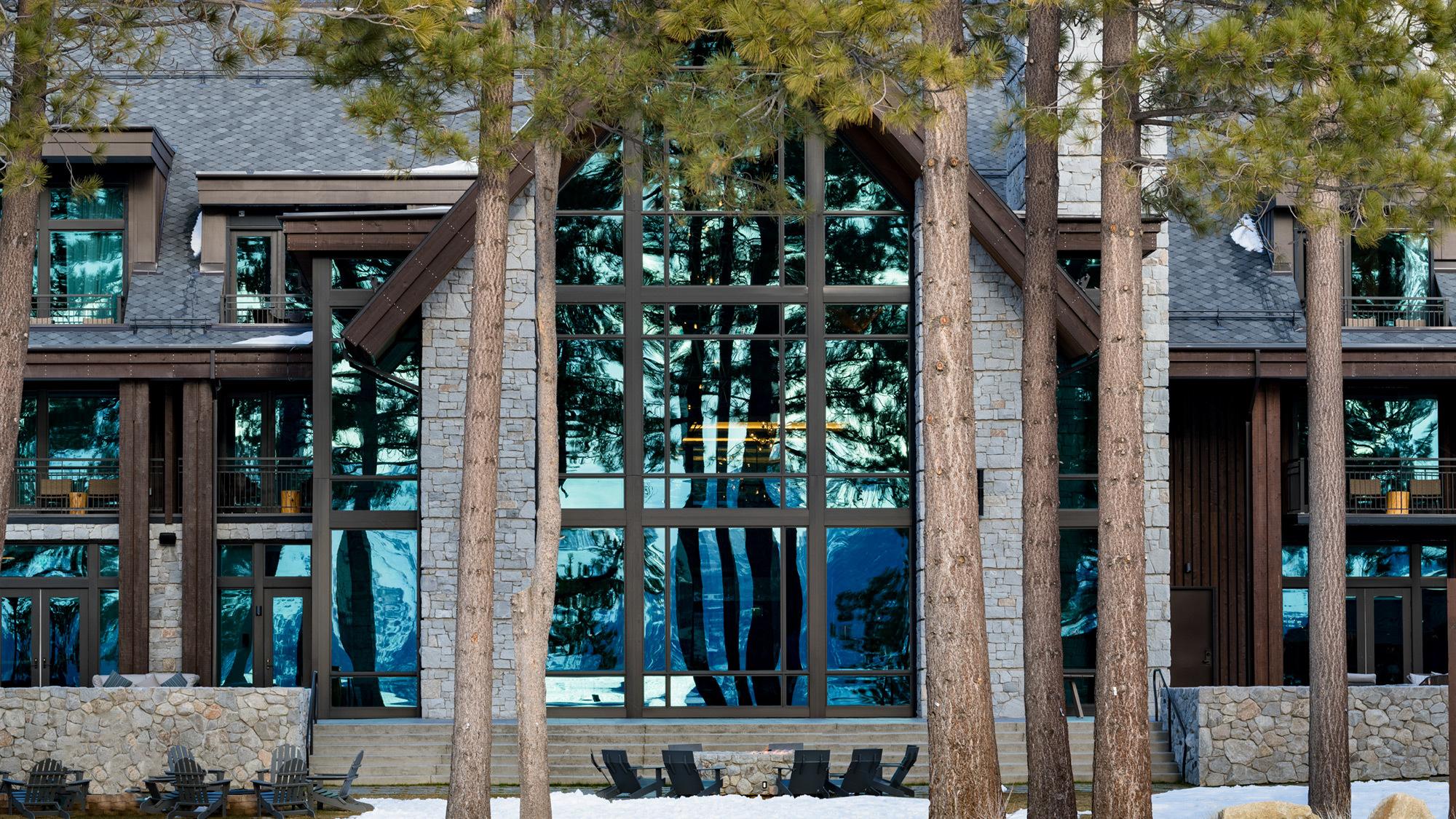 Edgewood Lodge Exterior Great Room